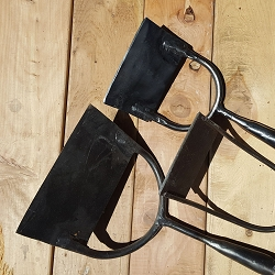 Dutch push hoes come in various sizes, the wider hoes have a shank on either side for added strength.